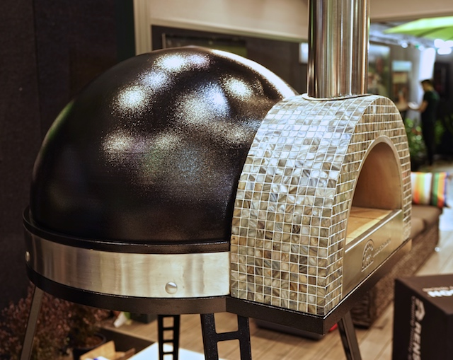 pizza oven My-Chef black with shell mosaic