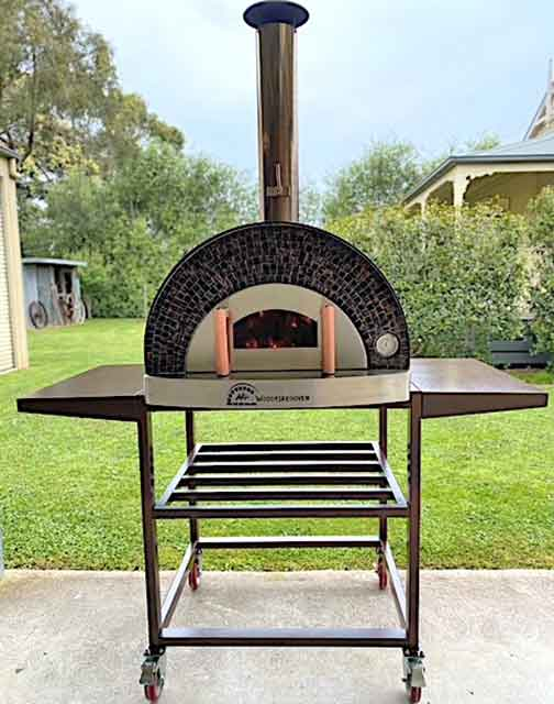 Large-pizza-oven-on-trolley-Fuoco